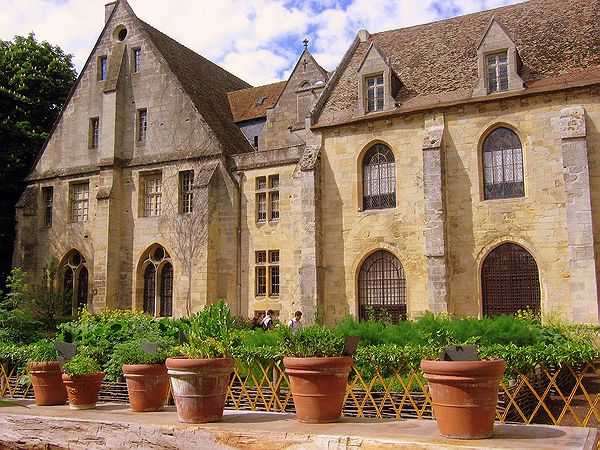 http://romanes2.free.fr//FR-Asniere-Abbaye_de_Royaumont-a80_2005-05-08_0043.jpg